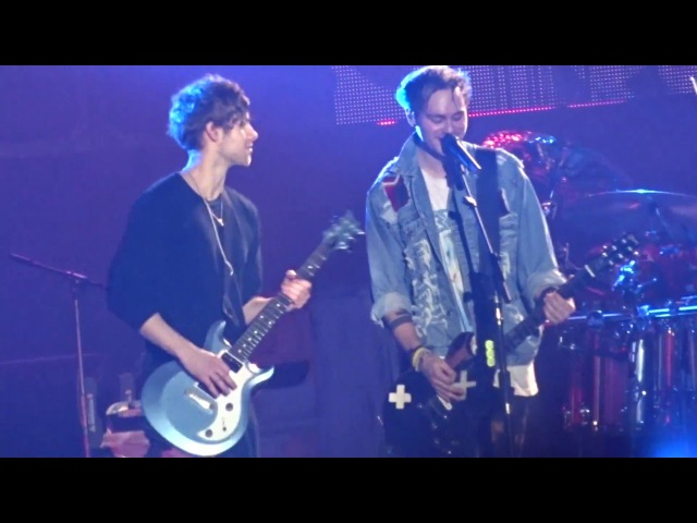 5 Seconds of Summer - Permanent Vacation and What I Like About You Newcastle 18th April 2016