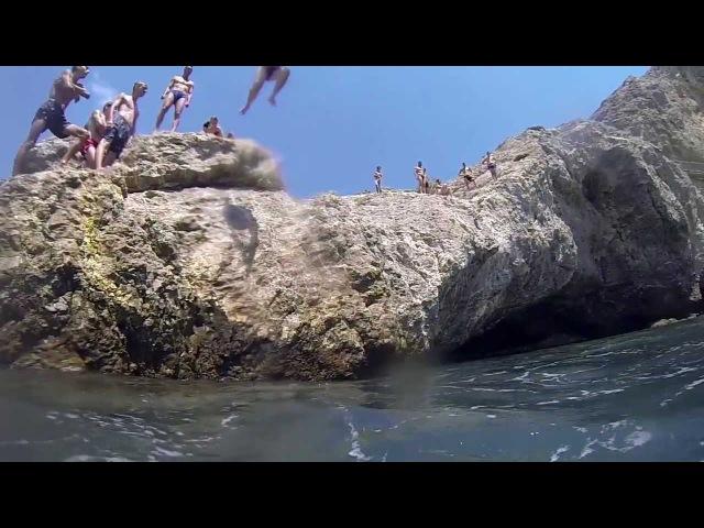 Центр SeaL Прыжки в воду на скалах в Судаке.