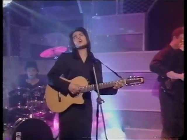 Tanita Tikaram - Twist in my sobriety on Top of the pops (HQ)