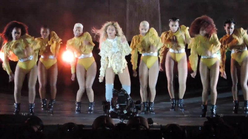 Baby Boy ⁄ Hold Up ⁄ Countdown ⁄ Pop My Trunk - Live In New Jersey (Formation Tour 2016)
