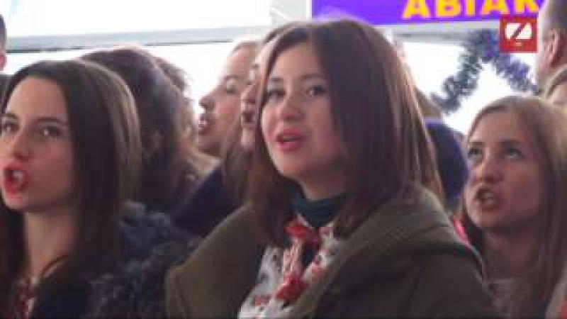 Триста вокалістів у львівському аеропорті виконали всесвітньовідомого «Щедрик...