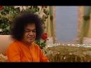 Бхагаван Шри Сатья Саи Баба поёт Садаям Хрудаям