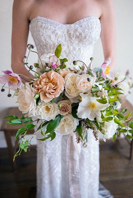 NJFTIMQo85c - Изумительные свадебные букеты 2015 (30 фото)