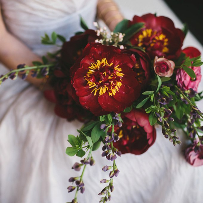 NjuxQlRa7As - Изумительные свадебные букеты 2015 (30 фото)