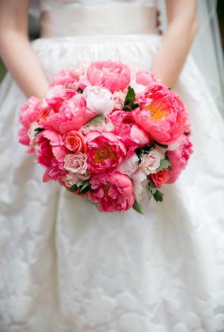 yF7ASzpIydk - Изумительные свадебные букеты 2015 (30 фото)
