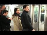 Поддельные обложки в метро