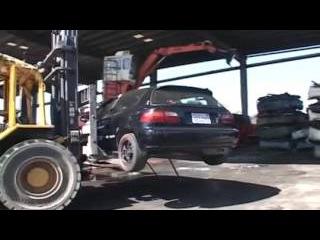 Утилизация нелегальных стрит рейсинг автомобилей