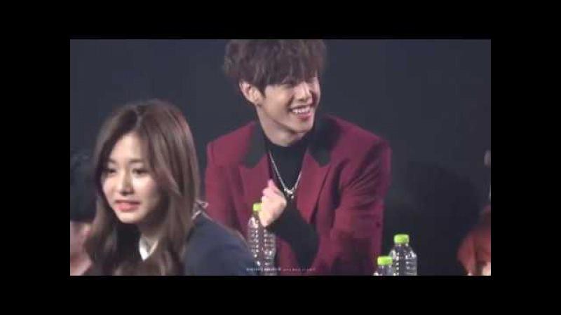 [fancam]170222 Gaon Chart Awards 샤이니 온유 선배님 상받을때 너무 귀여운 reaction GOT7 마크(MARK) FOCUS