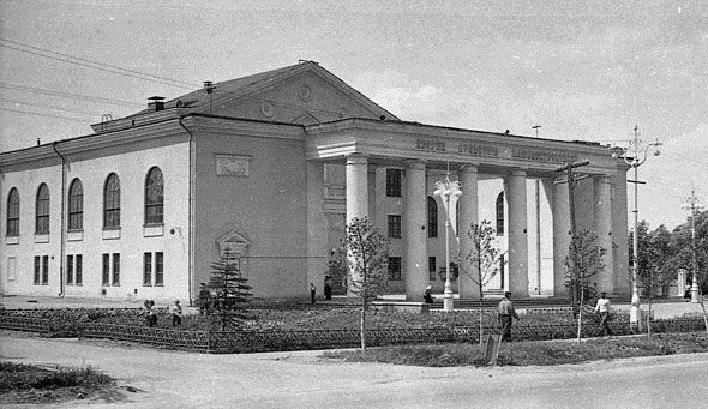 К 60-летию ДК машиностроителей