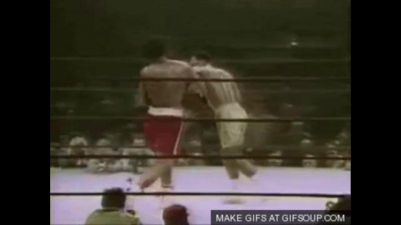 Знаменитый хук слева Джо Фрейзера против которого не устоял даже Мухаммед Али