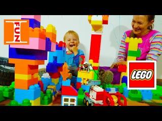 Играем с пожарной машиной ЛЕГО ДУПЛО LEGO DUPLO Тушим пожар в городке из конструктора