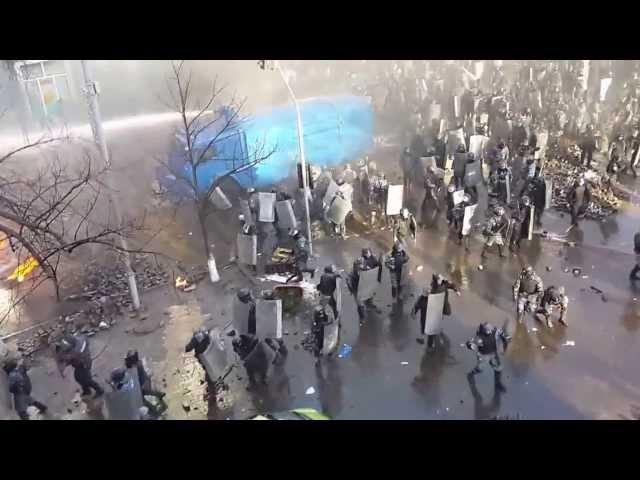 Бійка на перехресті Інститутської та Шовковичної Київ 18 02 2014