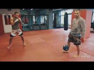 Сила и скорость удара рук