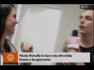 Nicola Porcella le hace esta divertida broma a los guerreros