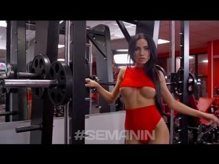 Марианна Маркина (Россия) - красивая, спортивная, и сексуальная актриса и фотомодель. Тренировка в фитнес зале. Рекомендую!