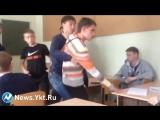 В Нерюнгри студент колледжа набросился на преподавателя (суета) [Нетипичная Махачкала]