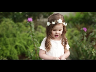 3-year-old Claire Ryann Sings her Favorite Song about Jesus