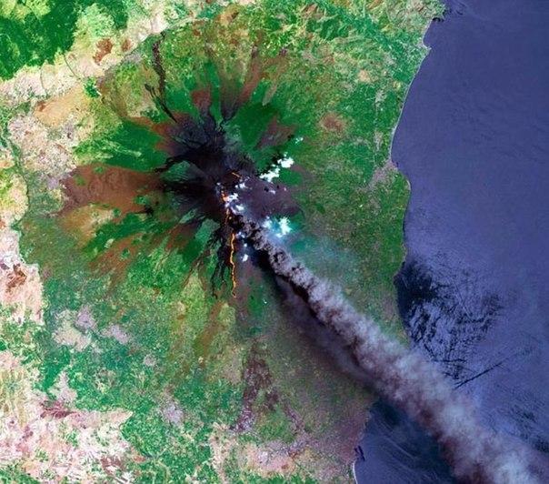 вулканы из глубин космоса доеф онлайн бесплатно
