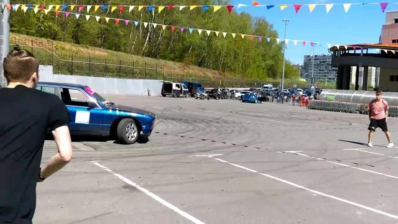 паркурщики на автофестивале в Бутово