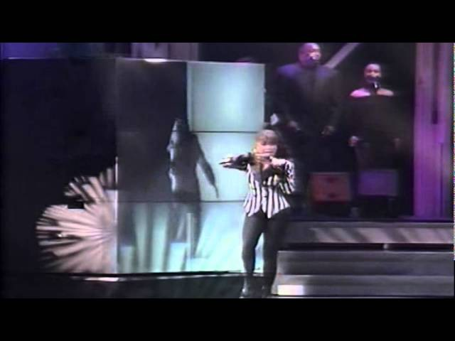 Paula Abdul - Straight Up (Live In Japan) (Widescreen) (HQ)