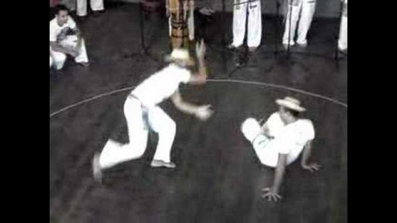 Capoeira jogada com navalha