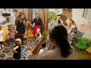Танцуем с мамочками;)