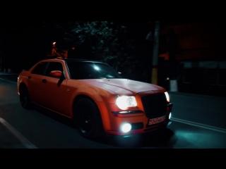 Дрифт по ночному Таразу Chrysler 300c srt8