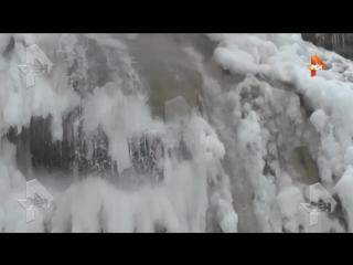в Крыму замерз самый высокий водопад