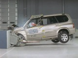 2001 Suzuki Grand Vitara XL-7 moderate overlap IIHS crash test