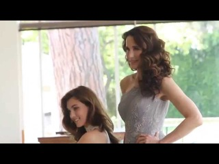 Stunning Andie MacDowell and her daughter Rainey Qualley dressed with Pronovias 2014 Collection