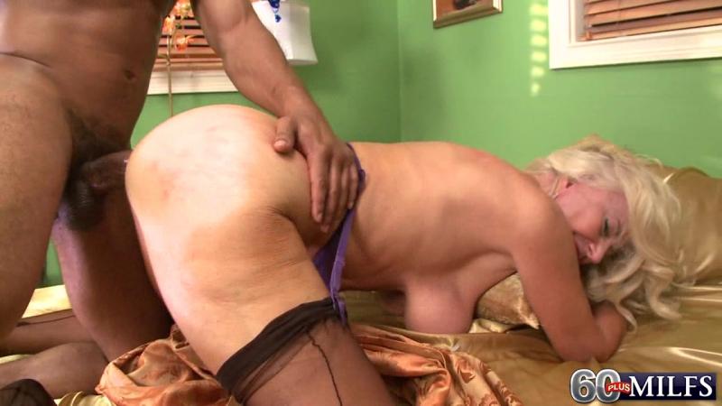 mamochki-nagliy-porno