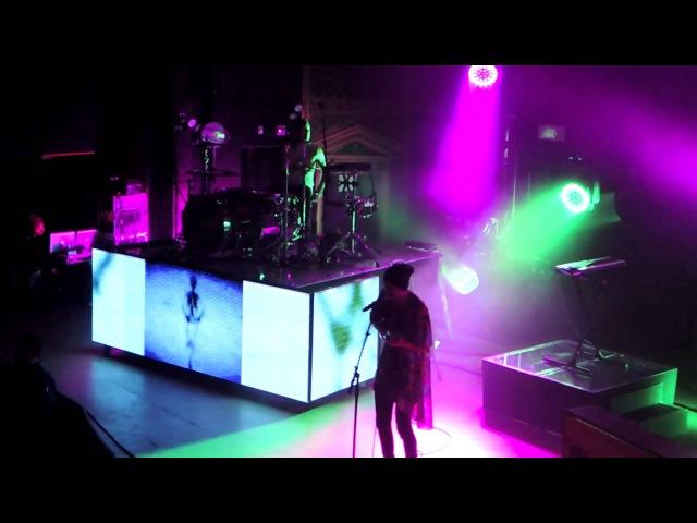 Isle Of Flightless Birds - Twenty One Pilots (Live in Denver)
