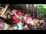 Baby Boss Рианна Ри МУЛЬТФИЛЬМ Вредина  играет и разбрасывают игрушки. Маленькая дев...
