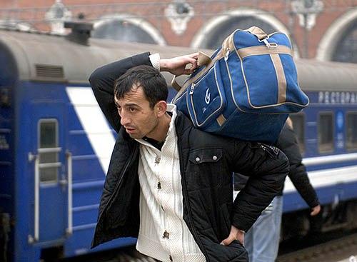 Пять историй, почему мигранты возвращаются обратно на Родину