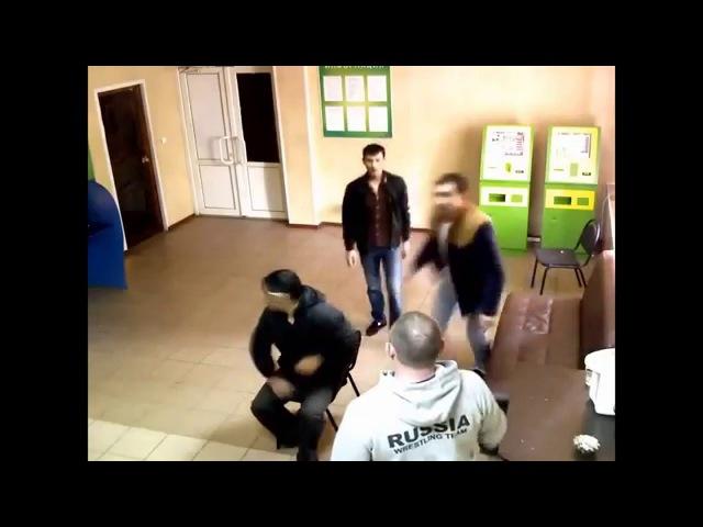 Русский против дагестанца с ножом