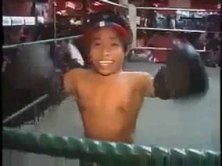 Funny Dwarfs does Muay Thai Kick Boxing..entertaining funny dwarfs