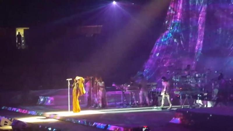 Rihanna - live in Rexall Place, Edmonton (20.04.2016)
