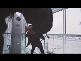 Паркурщик пробежался по мюнхенскому аэропорту