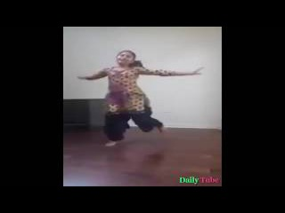 12 Year Old Girl Bhangra Dance On Punjabi Song In Her Room || Dance at Home