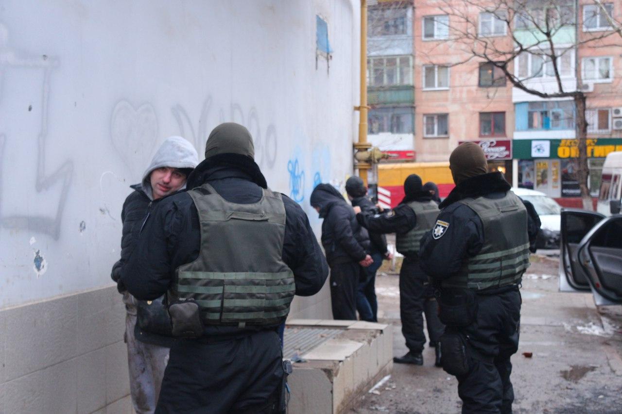 На ХБК задержали домушников ограбивших три квартиры (фото)