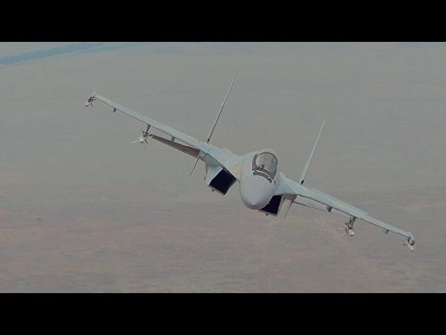 Сверхманевренный истребитель Су-35С в действии