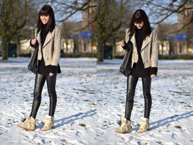 Фото девушек в джинсах из которых лезут труселя фото 154-491