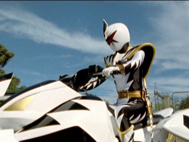 Power Rangers Dino Thunder - Black Ranger vs White Ranger ATV Fight.