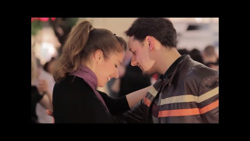 Argentine tango flash mob, Budapest, Westend (tango flashmob a la