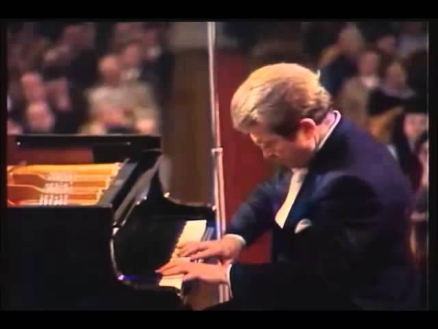 Emil Gilels - Schumann - Arabesque in C major, Op 18