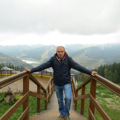 Сергій Слєсаренко
