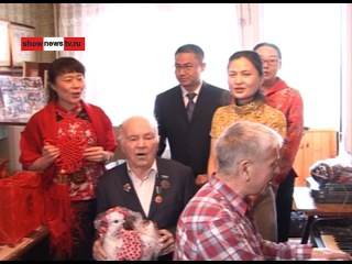 Китай'цы спели Рябинушку автору в деньрождения