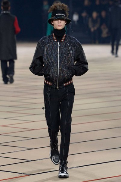 Dior Homme Continues to Reinvent the Black Suit for 2017 Fall/Winter