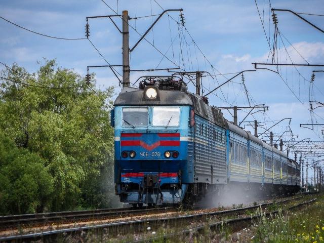 ЧС8-076 з двугрупним пасажирським поїздом № 68/768 Варшава - Ковель - Київ