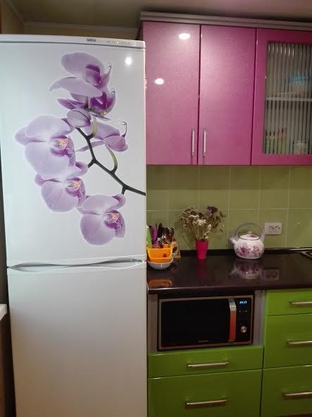 наклейка орхидея на холодильник фото